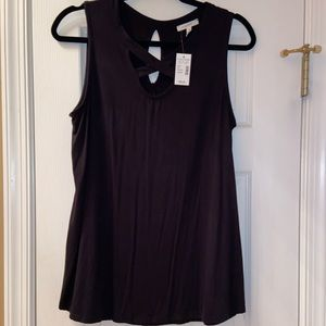 Maurices NWT black criss cross tank top size Large